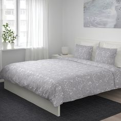 IKEA - JÄTTEVALLMO, Quilt cover and 2 pillowcases, white, blue, Made in cotton - a natural and durable material that becomes softer with every wash. Concealed press studs keep the quilt in place. Grey Duvet, Blue Duvet, King Duvet, Queen Duvet, Luxury Bedding Sets, Quilt Cover, Apartment Living, Apartment Therapy, Living Room