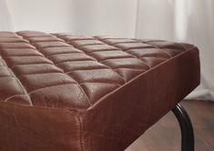 Detail eines Esszimmerstuhls der Serie BLACK LABEL. Aus Metall und 100 Prozent echtem Leder - überzeugen Sie sich selbst von der hohen Qualität und dem originellen Design! #möbel #möbelstücke #metall #leder #leather #homeinterior #interiordesign #homedecor #decor #einrichtung #furniture #esszimmer #diningroom #ideas #massivmoebel24 #freischwinger #design #designerstuhl #stuhl #stuehle #chair #küche #kitchen #buero #office