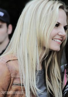 Jennifer Morrison on the ouat set (8/6/14) I love her style especially her leather jackets!!! :)