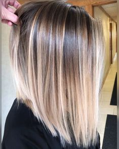 Pin by melanie pena on hair in 2019 hair styles, balayage hair, hair color. Straight Hair Highlights, Balayage Straight Hair, Hair Color Highlights, Hair Color Balayage, Balayage Short Hair, Ombre Hair Bob, Balayage Hair Brunette Straight, Long Bob Ombre, Blonde Ombre Bob