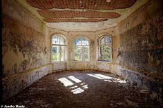Johanniter-Heilstätte (D) October 2014 abandoned sanatorium in the former East Germany DDR urbex decay Photo by: Jascha Hoste