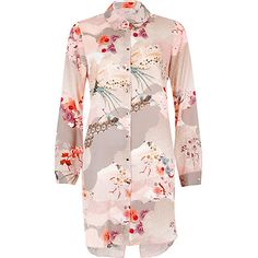 Pink rose print longline shirt 55,00 €