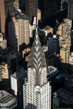 Chrysler Building - One of the Best Known and Most recognizable Skyscraper in New York. Unusual as the appearance of the building and the history of its construction. Metlife Building, New York From Above, New York City, Woolworth Building, Visiting Nyc, Washington Square Park, New York Photos, Chrysler Building, Amazing Pics