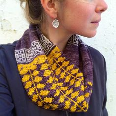 Honeylocust Loop knitting pattern by Erica Heusser, available for download on Ravelry!
