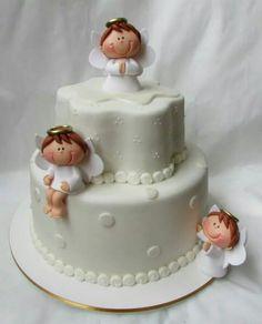 Torta de bautizo. Pretty Cakes, Cute Cakes, Beautiful Cakes, Torta Angel, Angel Cake, Fondant Cakes, Cupcake Cakes, Planet Cake, Religious Cakes
