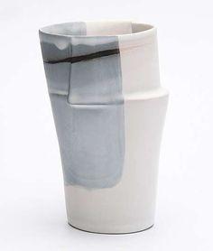 vase-bleu-Aline-Lafollie-ceramique