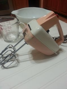 Vintage Westinghouse Adjustable Speed Electric Hand Mixer