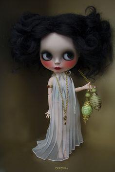 The pleating Dress by erregiro, via Flickr  -  Blythe