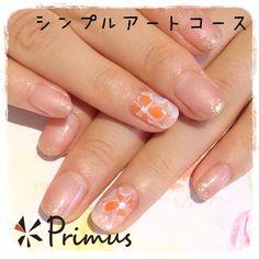 淡いピンクのグラデーションと、お花のアートが入った上品ネイル(*^^*)  シンプルアートコース (120min) ¥7,560(税込)