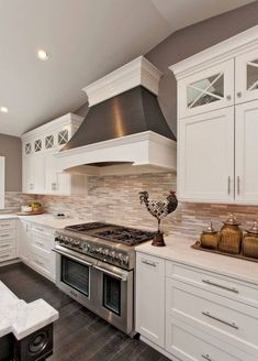 Ideas For Beautiful Kitchen Cabinets for your new kitchen Antique Kitchen Cabinets, Refacing Kitchen Cabinets, Rustic Cabinets, Kitchen Cabinet Design, Kitchen Backsplash, Mosaic Backsplash, Kitchen Renovations, Backsplash Design, Kitchen Knobs