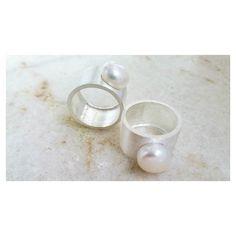 Raio-X Anel largo com pérola biwa [Compras via direct] #copella #anel #prata925 #joiasemprata #perola #design