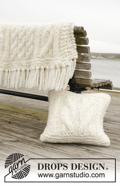 Frosty Cables - Free pattern by DROPS Design