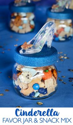 Wouldn't these Disney Cinderella Movie favor jars and snack mix be so cute for a Cinderella viewing party?