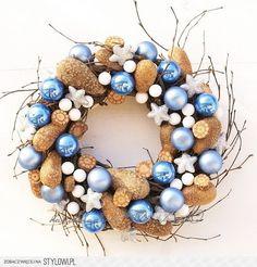 Stylowa kolekcja inspiracji z kategorii Design Ornament Wreath, Ornaments, Hanukkah, Wedding Gifts, Flora, Arts And Crafts, Wreaths, Rose, Christmas