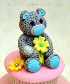 Teddy bear flower cupcakes