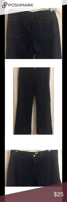 """J Brand MALIK Jeans Retro Flare Wide Leg Trousers J Brand Womens MALIK Jeans Retro Flare Wide Leg Trousers Marked 30 Actual 34 X 32  Excellent, gently used condition - jeans have been hemmed (see pictures) - no flaws noted - Marked size 30 Actual size is 34X32. PLEASE NOTE MEASUREMENTS TO INSURE A PROPER FIT!! Approximate measurements: Waist = 17"""" across laid flat Inseam = 32"""" Outseam = 43 Rise = 10"""" Cuff = 11"""" across laid flat J Brand Jeans Flare & Wide Leg"""