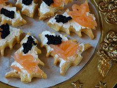 antipasti con salmone e pasta sfoglia