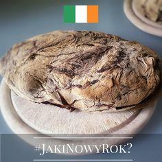 Jaki będzie Nowy Rok? Tego jeszcze nie wiemy, ale znamy ciekawe sylwestrowe i noworoczne zwyczaje europejczyków. Chcecie je poznać? Śledźcie naszą instakampanię każdego dnia, aż do 1 stycznia 2016 r. Wejdźmy w nowy, 2016 rok razem z nadzieją i uśmiechem!  Dzień 10 - Irlandia! Spędzając Sylwestra w Irlandii, równo o północy należy porządnie przyłożyć wszystkim ścianom w mieszkaniu ... bochenkiem chleba. To podobno odgoni wszystkie złe duchy, czające się na Wasze szczęście w Nowym Roku…