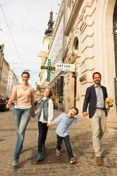 Familienfreundliches Hotel City Central in Wien. Hier fühlen sich die Kinder wohl und die Eltern verbringen einen erholsamen Urlaub. Familienfreundliche Hotels, 4 Star Hotels, Hotel Stefanie, Four Hundred, Das Hotel, History, Couple Photos, City, Family Activity Holidays