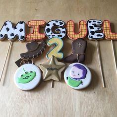 #Biscoitos #Decorados tema Toy Story. Decorated Cookies.