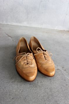 VTG Oxfords Woven Leather Flats Women's Lace Up Shoes Size 7 1/2 Tan.