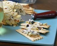 Blue Cheese Ball with California Dried Figs and Honey | Valley Fig Growers