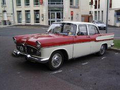 Simca Chambord 1958. De 1958 à 1961 Beaulieu/Chambord/Présidence/Marly (V8-2 351 cm3-84 ch-145 km/h) : 61 836 ex. Abandon du modèle en 1961....