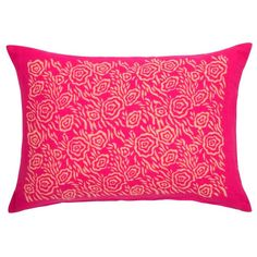 Garden Assemblage Pillow in Magenta design by Sir/Madam (245 BRL) ❤ liked on Polyvore featuring home, outdoors, outdoor decor, pillows, garden decor, outdoor garden decor and garden patio decor