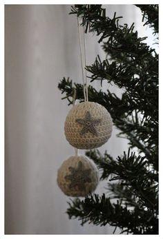 Virkatut joulupallot
