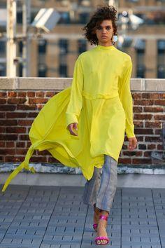 """Résultat de recherche d'images pour """"yellow look 2017"""""""