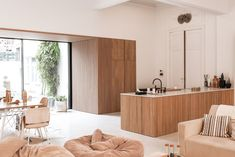 Interior inspiration for modern interior design in livingroom, bedroom, hallway and office. Wooden wall and ceiling decoration for house inspo. Interior Walls, Interior Design Kitchen, Modern Interior, Interior Architecture, Layout Design, Wood Slat Wall, Diy Bedroom Decor, Home Decor, Interiores Design