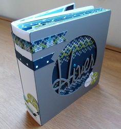 "Val49 : mini-album ""Hiver"" Mini Album Scrap, Mini Albums Scrapbook, Diy Souvenirs, Minis, Pocket Letters, Mini Books, Album Covers, Book Art, Birthday Cards"