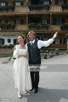 06-27 Karina Thayenthal (als Braut), Hansi Hinterseer... #oberaurach: 06-27 Karina Thayenthal (als Braut), Hansi Hinterseer… #oberaurach