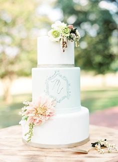Monogramed #wedding cake