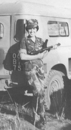 Picture Gallery of the Rhodesian Woman's Services, 1967 - the Rhodesian Army, 1967 Military Archives, Military Training, Warrior Girl, Strange History, Female Soldier, Modern History, Old Pictures, South Africa, Dragon Tree