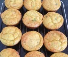 Back to school savoury muffins 100 g Cheddar cheese, chopped into blocks 1 onion, quatered 3 bacon rashers 1 large carrot, quartered 1 large zucchini, quatered 30 g olive oil 3 eggs 60 g cream 75 g Self Raising Flour Savory Muffins, Savory Snacks, Healthy Snacks, Savoury Recipes, Lunch Box Recipes, Baby Food Recipes, Baking Recipes, Thermomix Desserts, Creative Food