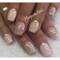 Are you looking for gold silver white bling glitter wedding nails? See our colle… Are you looking for gold silver white bling glitter wedding nails? See our collection full of gold silver white bling glitter wedding nails and get inspired! Rose Gold Nails, Pink Nails, My Nails, Nails 2017, Fancy Nails, Trendy Nails, Cute Nails, Sns Nails Colors, Toe Nail Art