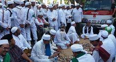 Subhanallah Ketua FPI Cilacap jual Samsung S6 untuk Biaya demo #TangkapAhok ke Jakarta