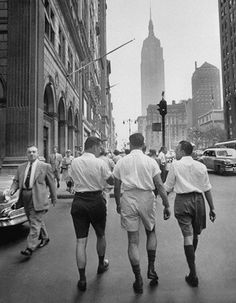 size: Photographic Print: Three Young Businessmen Wearing Bermuda Shorts as They Walk Along Fifth Ave. During Lunchtime by Lisa Larsen : Men's Fashion Black And White, Art Of Manliness, Do Men, Life Magazine, Street Photography, Cool Pictures, Bermuda Shorts, How To Wear, Ivy Style