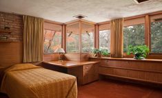 Frank Lloyd Wright could not have found a more perfect spot than the leafy suburb of Rockford, Illinois, to stage his much under-rated Kenneth Laurent House - about to go under the hammer with Chicago-based auction house, Wright. A single-storey struct...