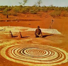Australia - Aboriginal Anthropology, before written records like birth announcements, marriage certificates Aboriginal Art, Tribal Art, Australian Art, Culture Art, Desert Art, Art, Land Art, Environmental Art, Earth Art