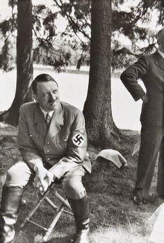 Foto na História: CLOSES DE ADOLF HITLER - XIV