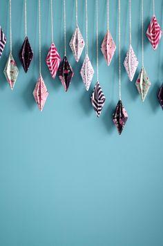 """Un DIY de """"atelier fête unique"""" pour apprendre à réaliser une guirlande de diamant Origami"""