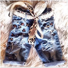 Thank you for shopping at Giftedlilones & Co We Beleive that each child is a gift and deserves the Best. Baby Jeans, Girls Jeans, Diy Clothes And Shoes, Diy Clothing, Toddler Fashion, Kids Fashion, Baby Bug, Toddler Girl, Toddler Jeans