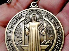Http://k33.kn3.net/taringa/E/A/B/1/E/B/masterenz/BB0.jpg. Http://k30.kn3.net/taringa/0/E/3/6/7/1/masterenz/41B.jpg. Http://k30.kn3.net/taringa/F/5/D/0/8/5/masterenz/D42.jpg. En la vida de San Benito escrita por el Papa San Gregorio Magno, el santo abad... - masterenz