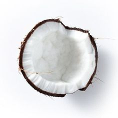 Kapuluan coconut oil is made from only the freshest coconuts which are sourced from rural, organic farms in the Philippines  Naturally wet and Cold Pressed with no heat, Kapuluan contains all essential nutrients, and is pure,exceptionally high-grade coconut oil for beauty and Personal Care. Silky smooth with a beautiful subtle coconut aroma, the oil absorbs quickly and is highly moisturizing, while rich in nourishing Vitamin E and antioxidants.