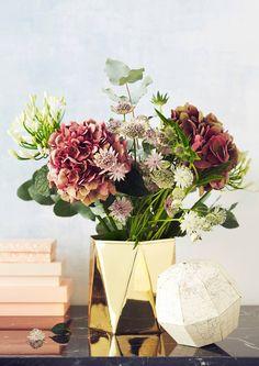 Kokosimme kauneimmat kimput äitienpäiväksi. Poimi Avotakan ideat mukaan kukkakauppaan.