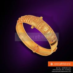 Get this very beautiful and traditional kada to suit any outfit.