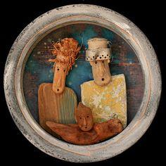 ATELIER KARIBU : Xavier DEPARIS RECYCL'ART Driftwood Fish, Painted Driftwood, Driftwood Crafts, Twig Art, Art Sculpture, Found Art, Beach Crafts, Wooden Art, People Art