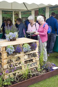 "So cool... a ""Bug Hotel"". Link for Great Pollinator Project http://greatpollinatorproject.org/management/nesting-habitat"